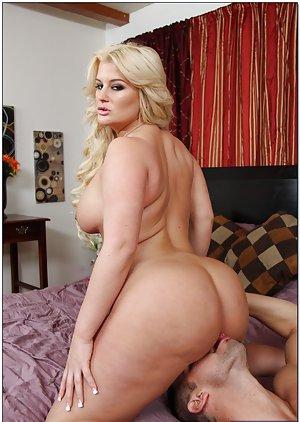 Sexy curvy bbw nude image