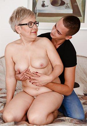 Boob squeezing in sex